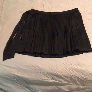 NWOT Gap Black Silk Pleated Skirt